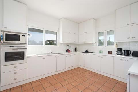 Fully equipped kitchen - new photos soon!