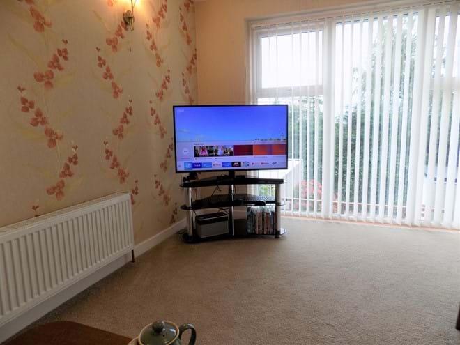 HD Smart TV.