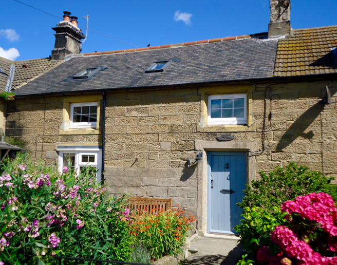 Anchor Cottage is a stone-fronted fisherman