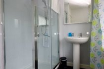 Image of Murmur Aeron shower room