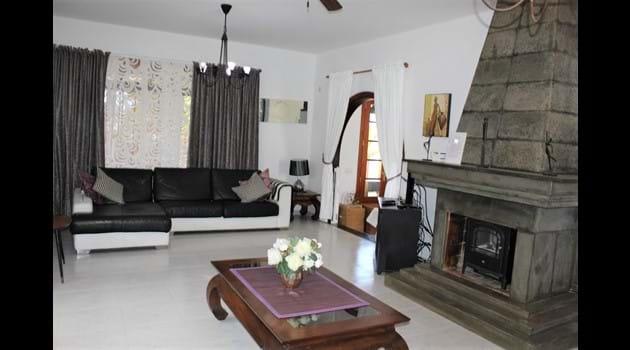 Villa Victoria Lounge has a double sofa bed + wardrobe+ drawers + UK TV + Sonos