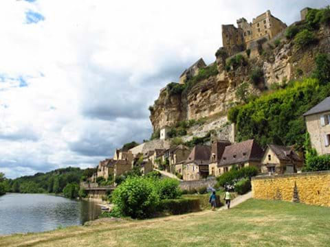 Beynac is a wonderful setting on the river Dordogne
