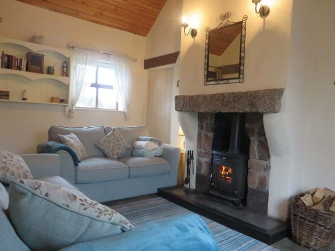 Mullaghduff Thatched Cottage, fireside