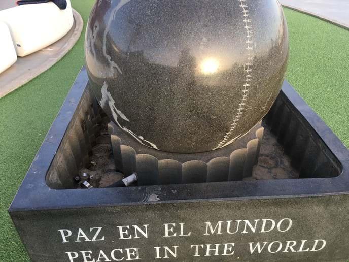 Peace in the World / Paz en el Mundo sculpture Rubimar Shopping Centre Marina Rubicon
