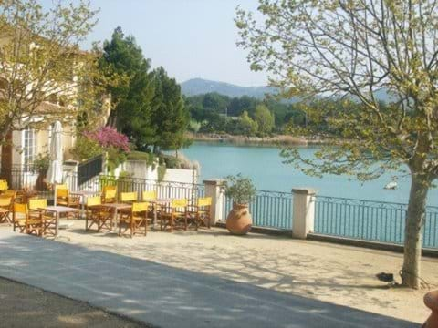 Tapas bar by the lake in Pont Royal village
