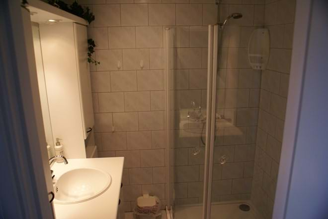 Bathroom with walk-in shower cubicle