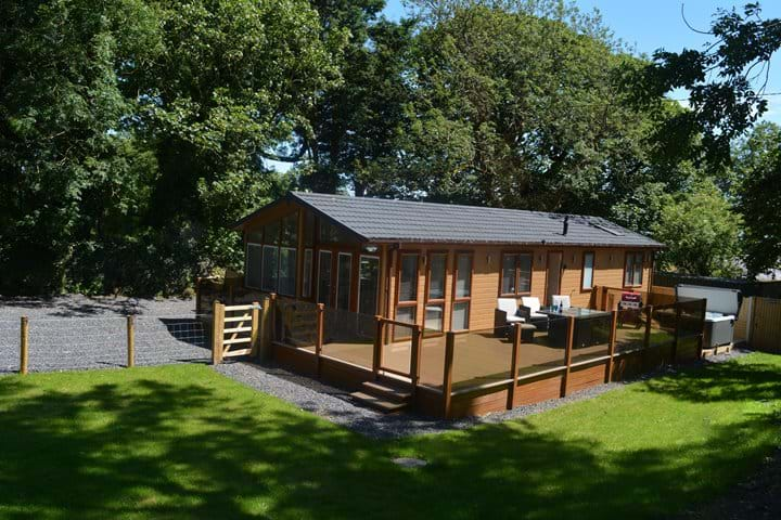 Ein Yfory - Luxury lodge with hot tub
