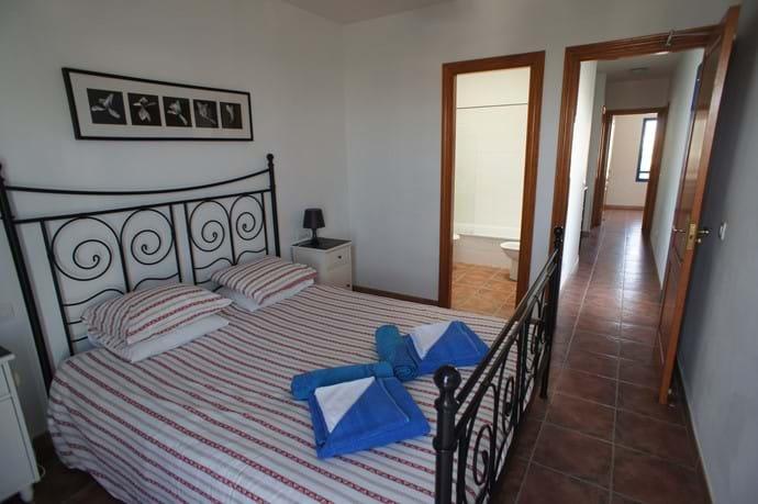 Master Bedroom En-Suite and landing