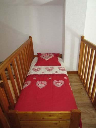 Mezzanine level alcove bed