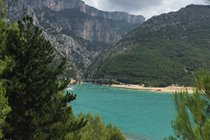 Lac Sainte Croix - looking up to the gorge