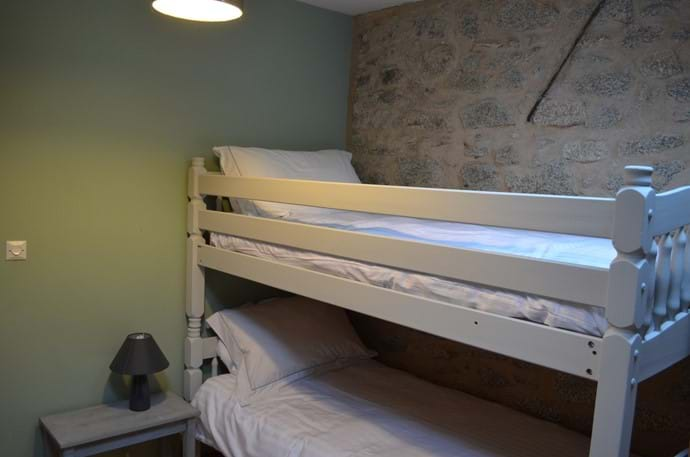 The Sidings - 4 person gîte - second bedroom with bunk beds and cot