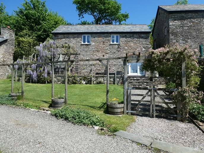 Fully enclosed cottage garden