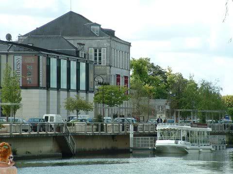 Cognac - Hennessy - Crédits Charente Tourism (35 mins)