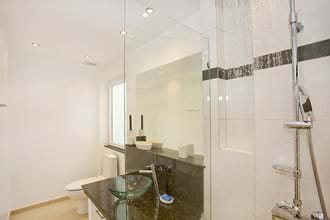 Double Bedroom En-Suite Bathroom