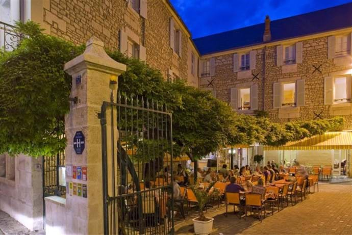Restaurants - within walking distance or within a short drive - you will find fantastic french restaurants, whether child-friendly or just for the adults (Baby sitting at the villa is available) Please look at the recommendations book at the villa
