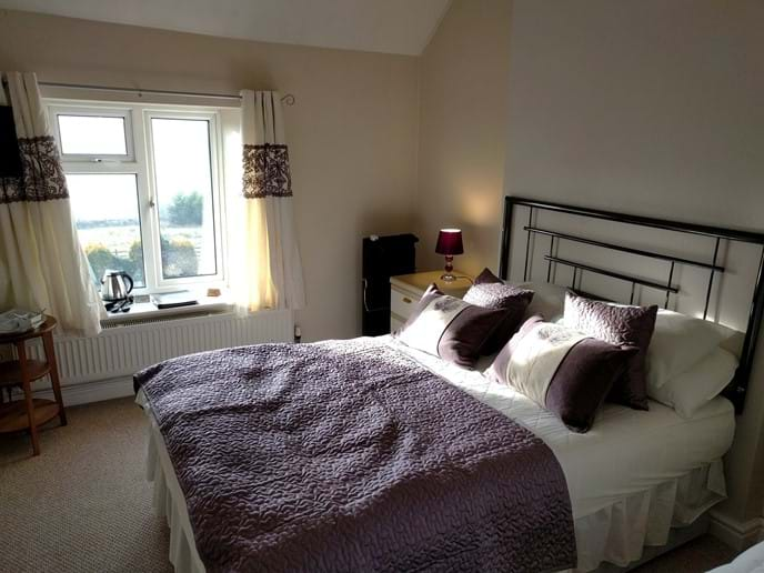 B&B 'heather' room. An ensuite double and bunk beds
