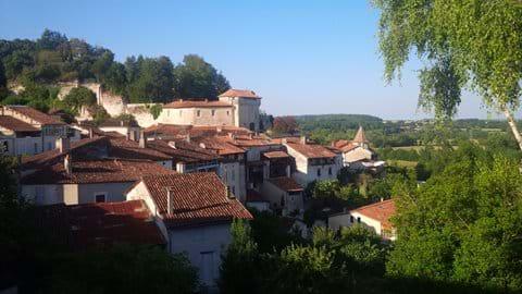 Aubeterre-sur-Dronne (15 kms)