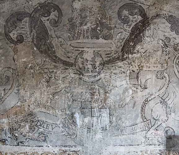 Jacobian wall-painting showing Royal Coat of Arms
