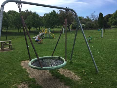 Days Park 2 mins from the house
