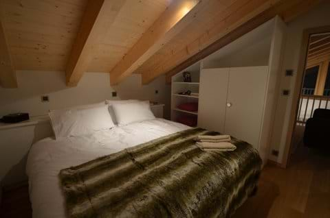 Bedroom 4 (twin or double bed)