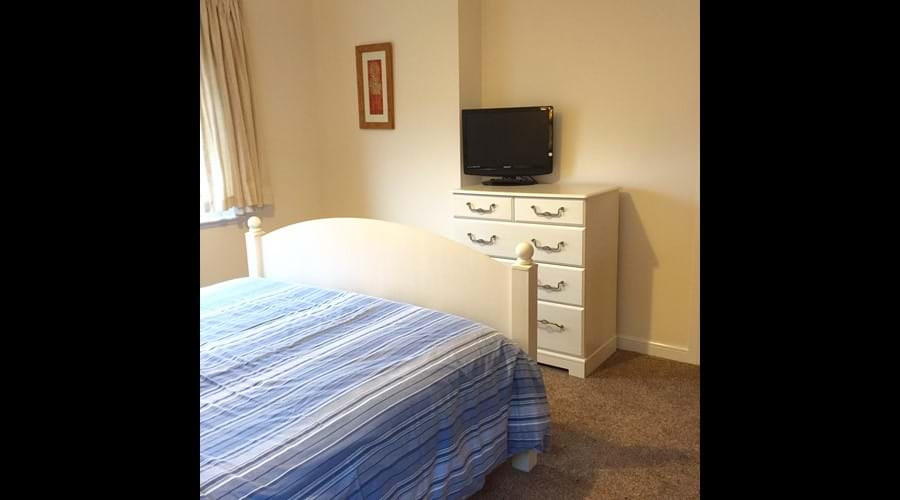 Motherwell Self Catering  - Double bedroom with digital TV