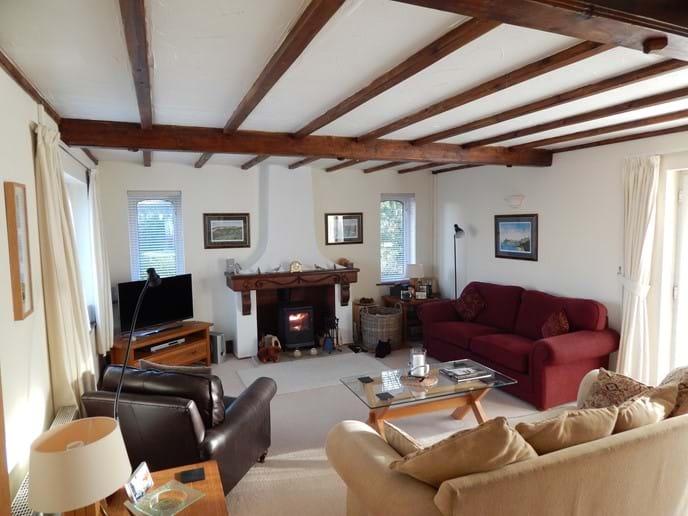 Triple aspect sitting room