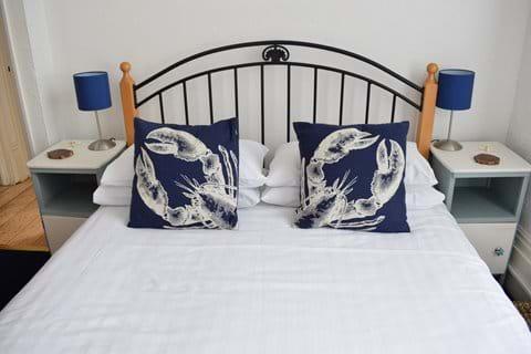 Double bedroom (3 - Seashell)