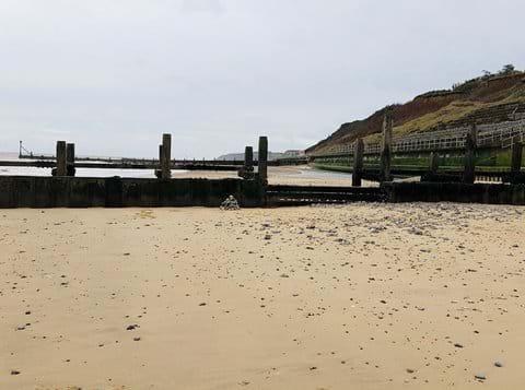 Overstrand beach 1 mile away