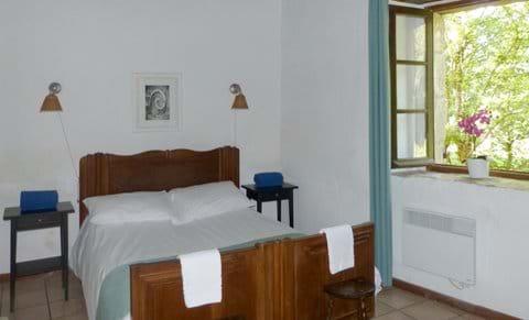 La Rive master bedroom