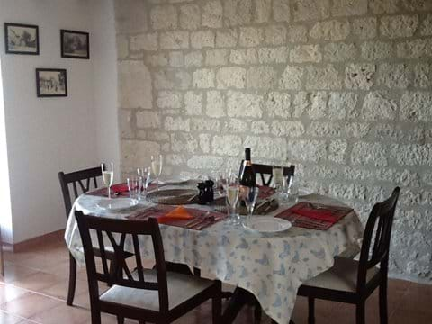Dining Area - glass of rose anyone?