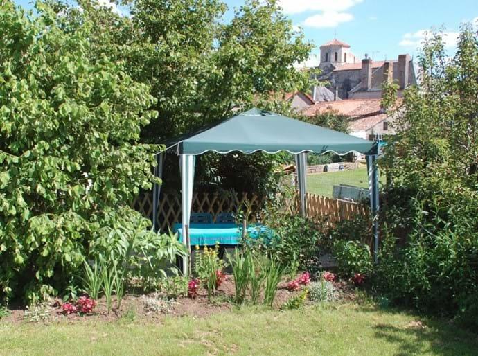 Garden dining area.