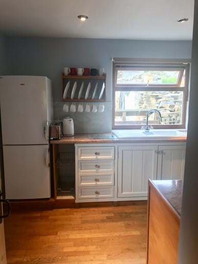 Full sized fridge freezer