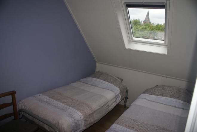 Een van de tweepersoonskamer boven