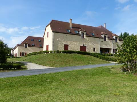 Other villas in the domaine.
