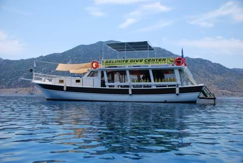 Dive boat of Selimiye Dive Centre (Selimiye Dalış Merkezi) - try dives and qualified diving available daily