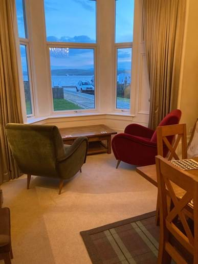 The sumptuous armchairs have arrived for the dining room, perfect to enjoy your morning coffee and watch the world go by on land and sea!