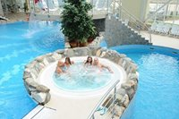 The ralaxation pool of the Aqua Park Brasov is excelent for adults.