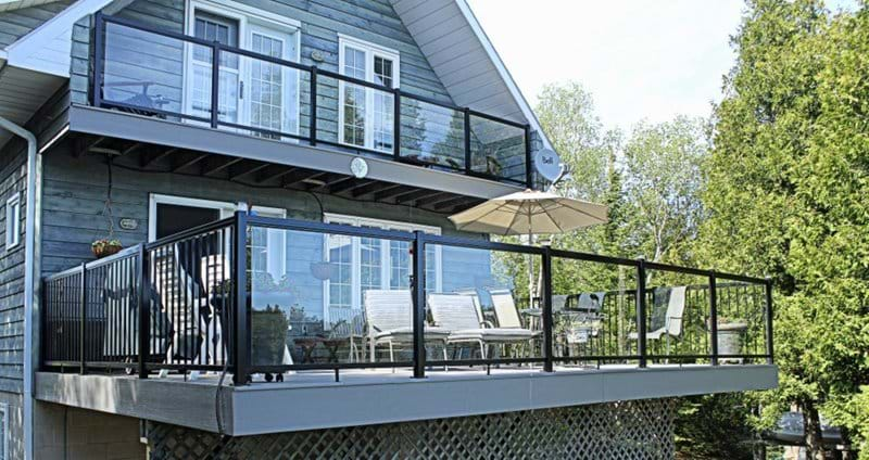 The large elevated deck at the front of the cottage was completely updated during the spring of 2014. It now has PVC decking and aluminum and glass railings.