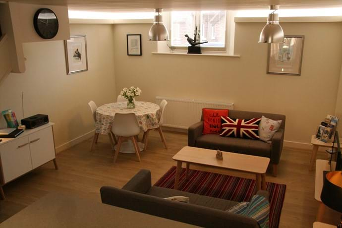 Relax in the comfortable lounge whilst arranging the day ahead