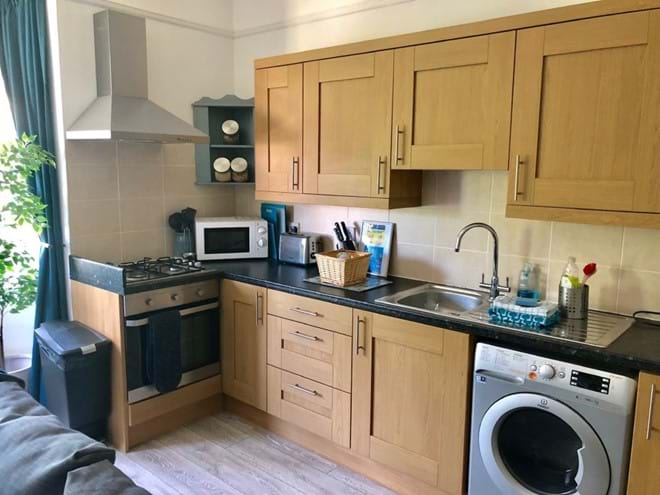 Home from Home Portsmouth - Fully equipped kitchen