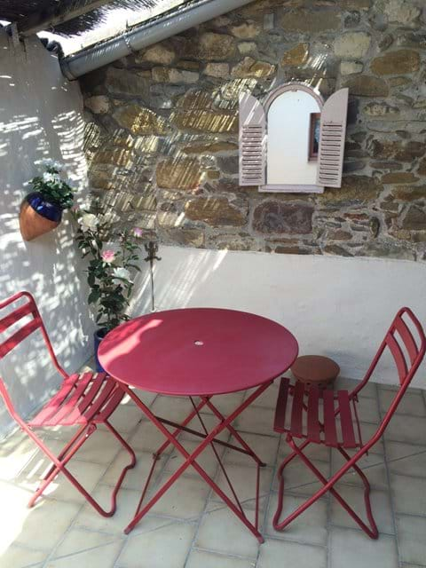 Lovely eating area in courtyard