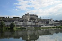 Amboise, a definite Sunday trip with their market