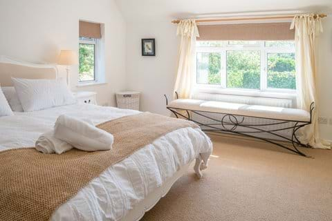 Large comfy beds with egyptian cotton bedding