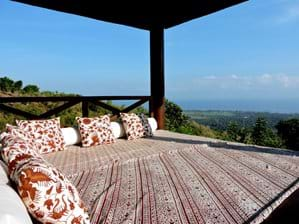 The Bale Benong (Gazebo). Superb views over coastal plains, the see and reef, the canyon. And great for an afternoon nap. Or a pijit (massage). After sunset our dedicated nichtwatchman resides here.