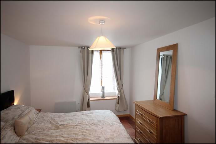 Loire Valley gite downstairs ensuite king bedroom.