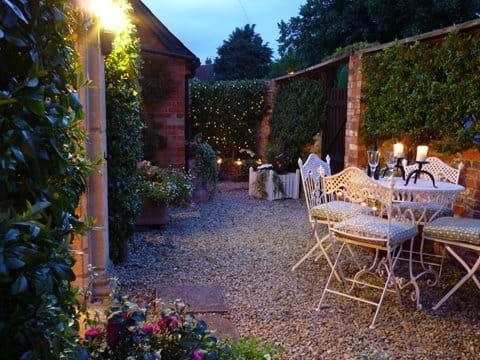 Coachmans Cottage Steeple Ashton Wiltshire BA14 6HH UK