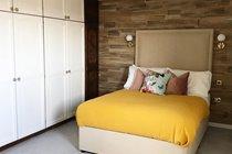 Double bedroom (upstairs)