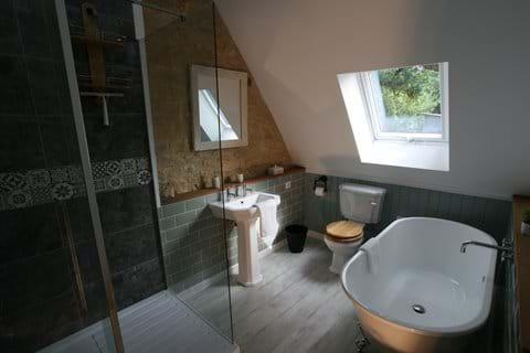 Family luxury bathroom