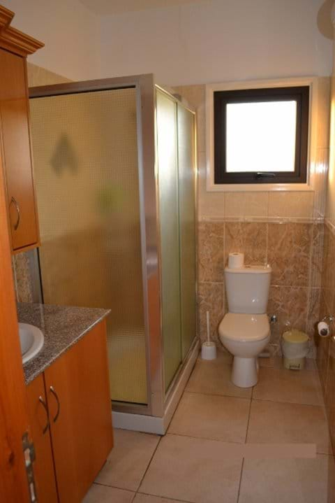 First Floor WC and Shower Room