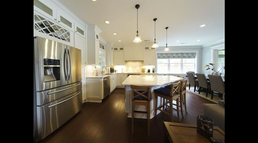 Large kitchen with lots of counter space and cupboards